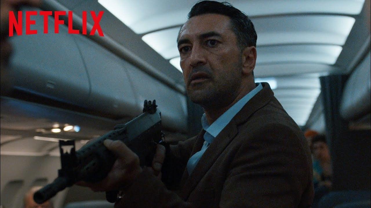 Bir Türk'ün dünyaya meydan okuduğu Netflix dizisi Into the Night ...