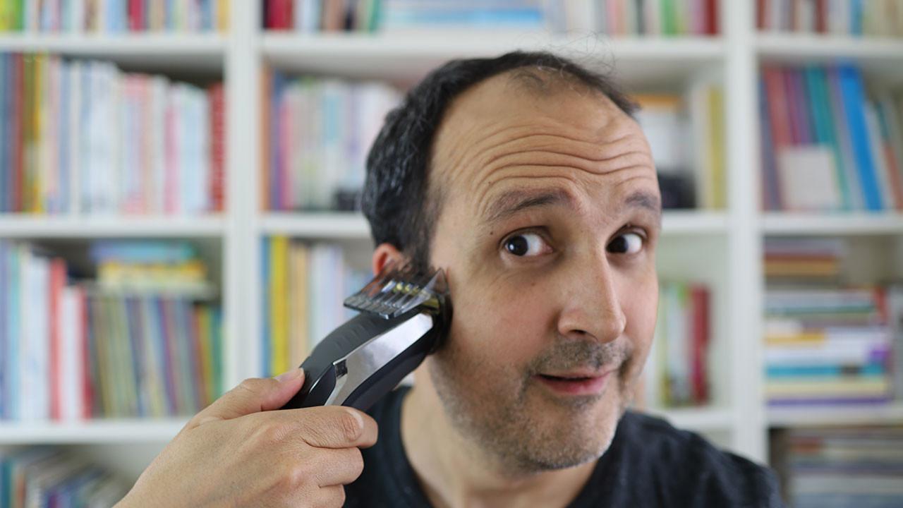 Bunu izlemeden saçlarınızı kesmeyin! Saç kesim numaraları!
