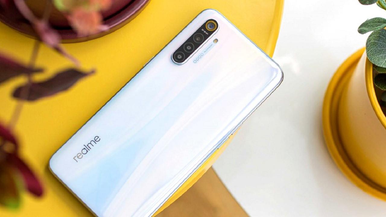 Xiaomi'ye rakip gösterilen realme yokları oynuyor!