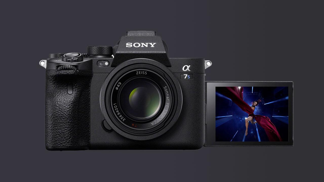 Sonunda geldi: Sony A7S III