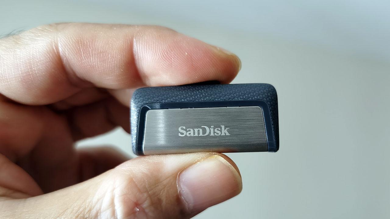Çok yönlü USB bellek: SanDisk Ultra Dual Drive Type-C