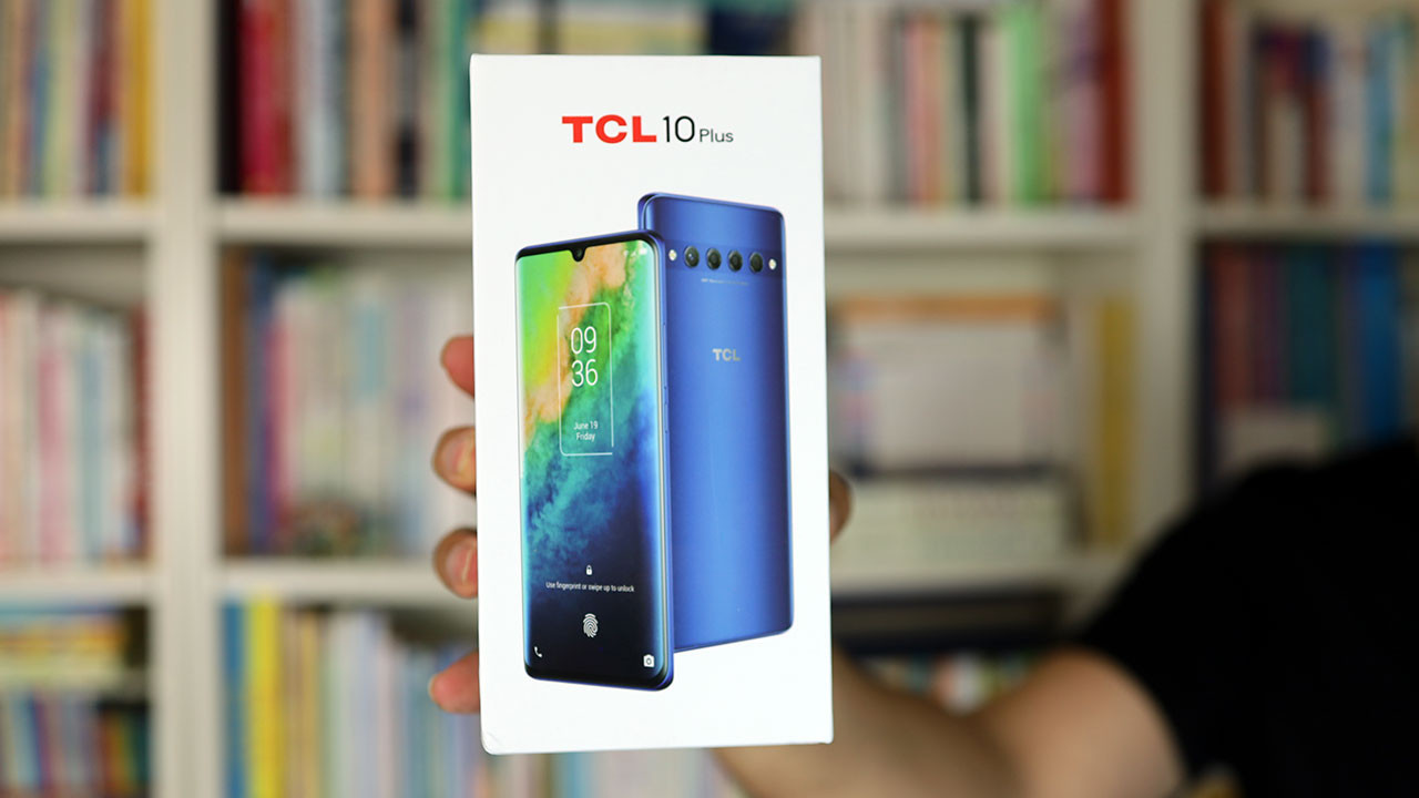 Tasarımı tanıdık: TCL 10 Plus kutudan çıkıyor