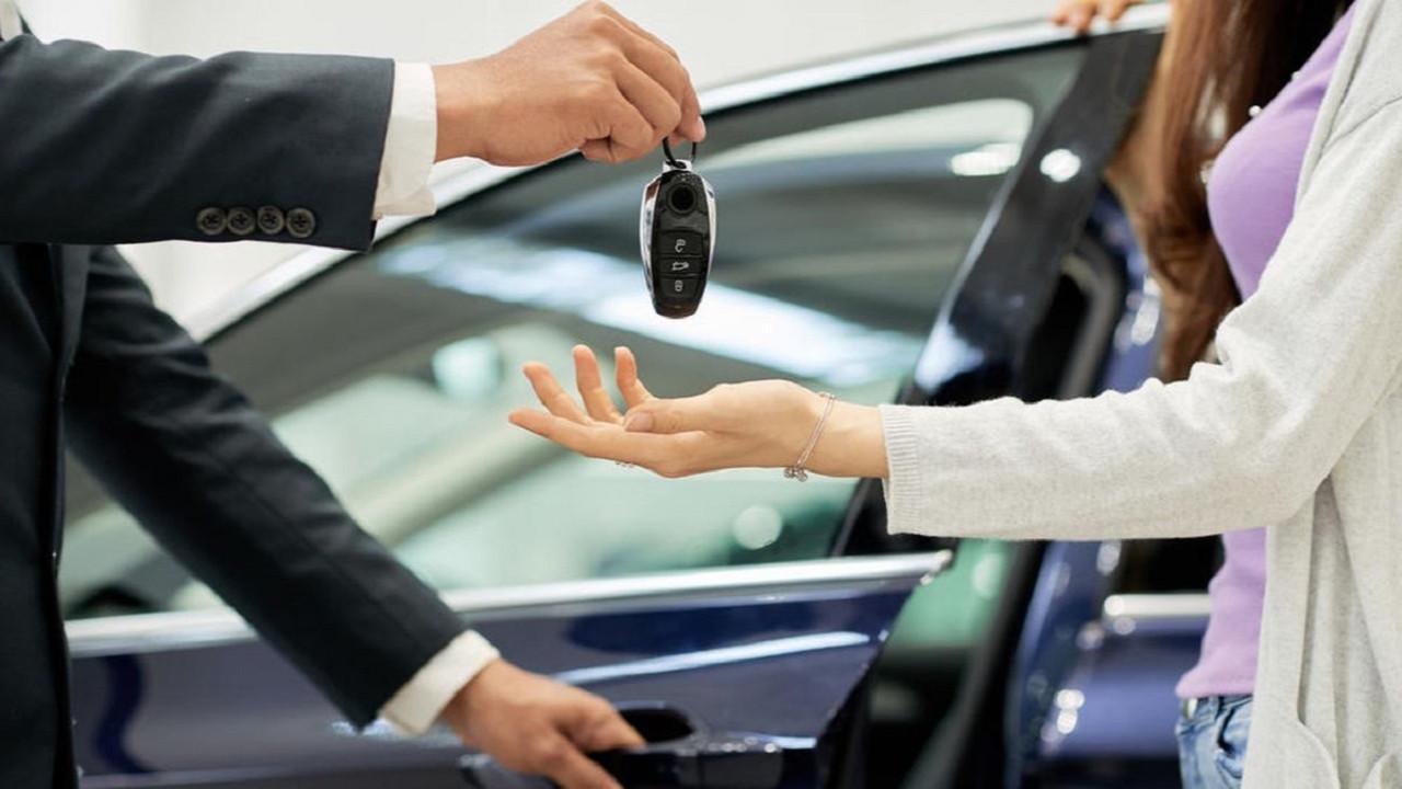 Dolar Euro arttı sıfır otomobil fiyatları uçtu!
