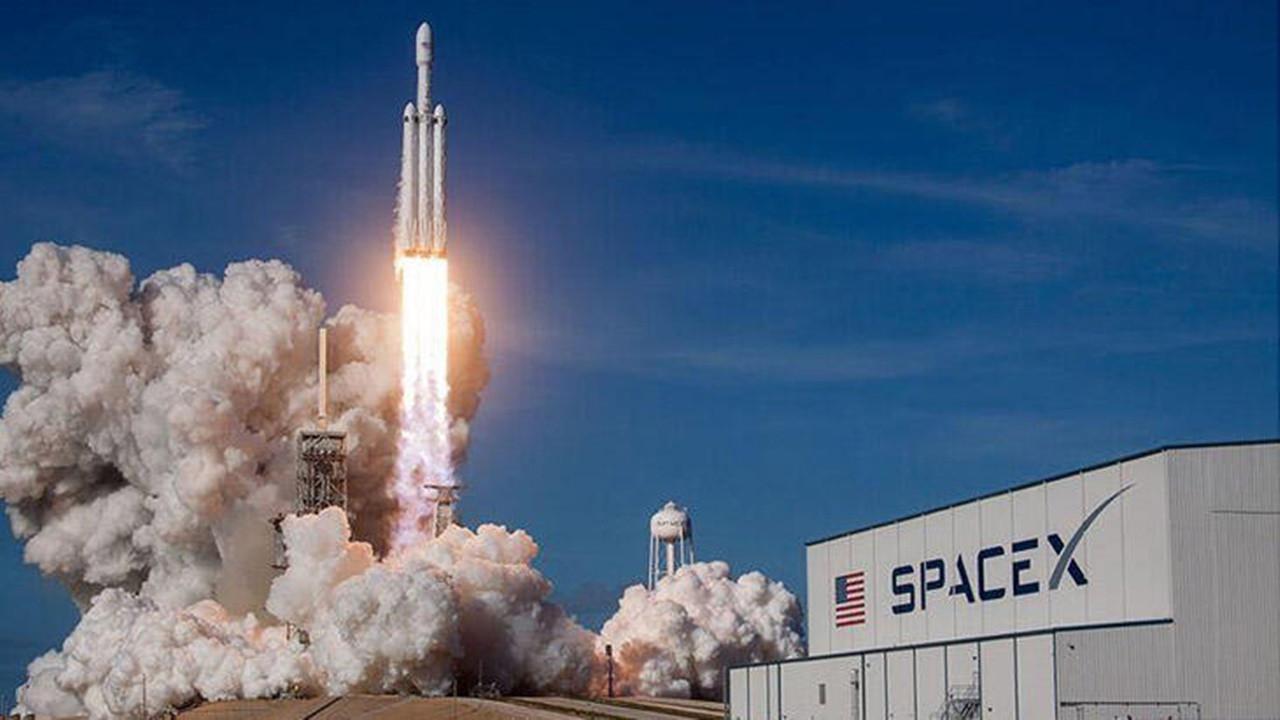 SpaceX insanlı roket fırlatışı ertelendi! işte sebebi