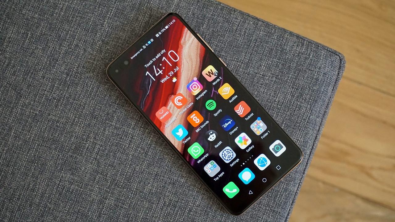 Huawei Xiaomi'nin gerisine düştü