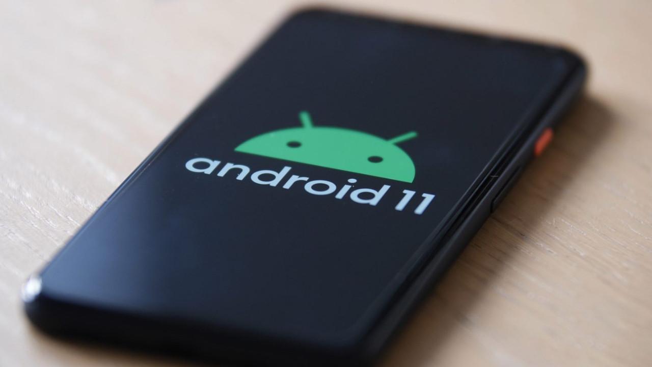 Samsung iki telefonunda daha Android 11 güncellemesi sundu!