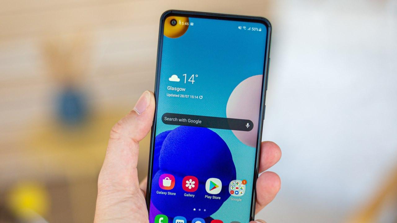 Samsung'tan uygun fiyatlı 5G akıllı telefon geliyor!