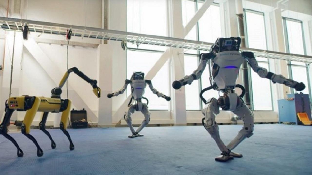 Boston Dynamics robotlarının dansı sosyal medyayı salladı!