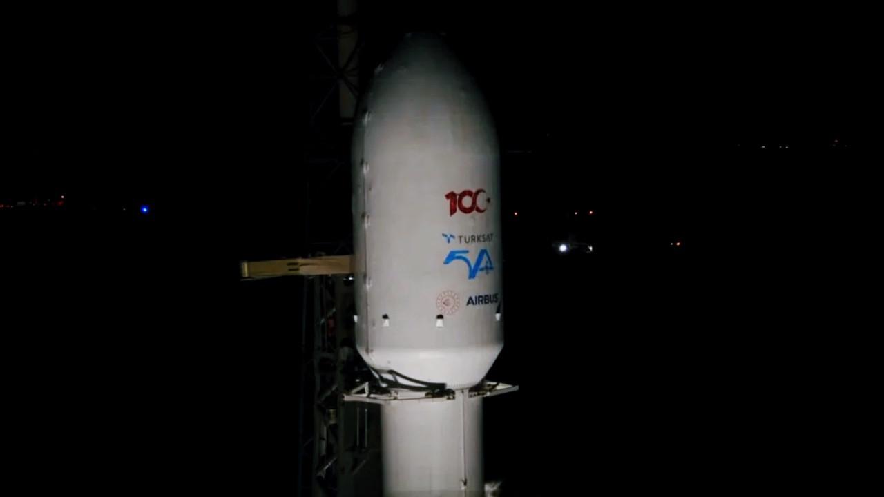 SpaceX TURKSAT 5A uydusunu uzaya fırlattı! Uydumuz yörüngede!