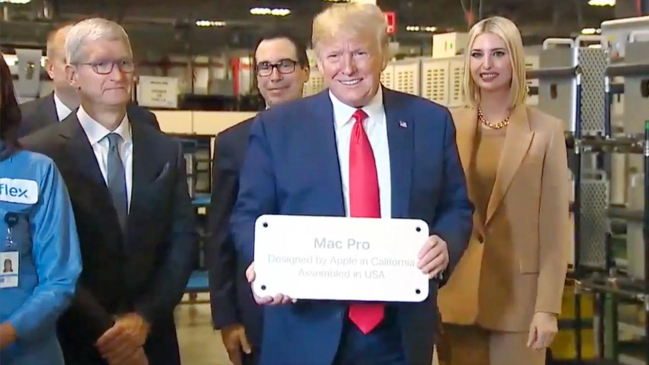 Apple'dan Donald Trump'a güle güle hediyesi!