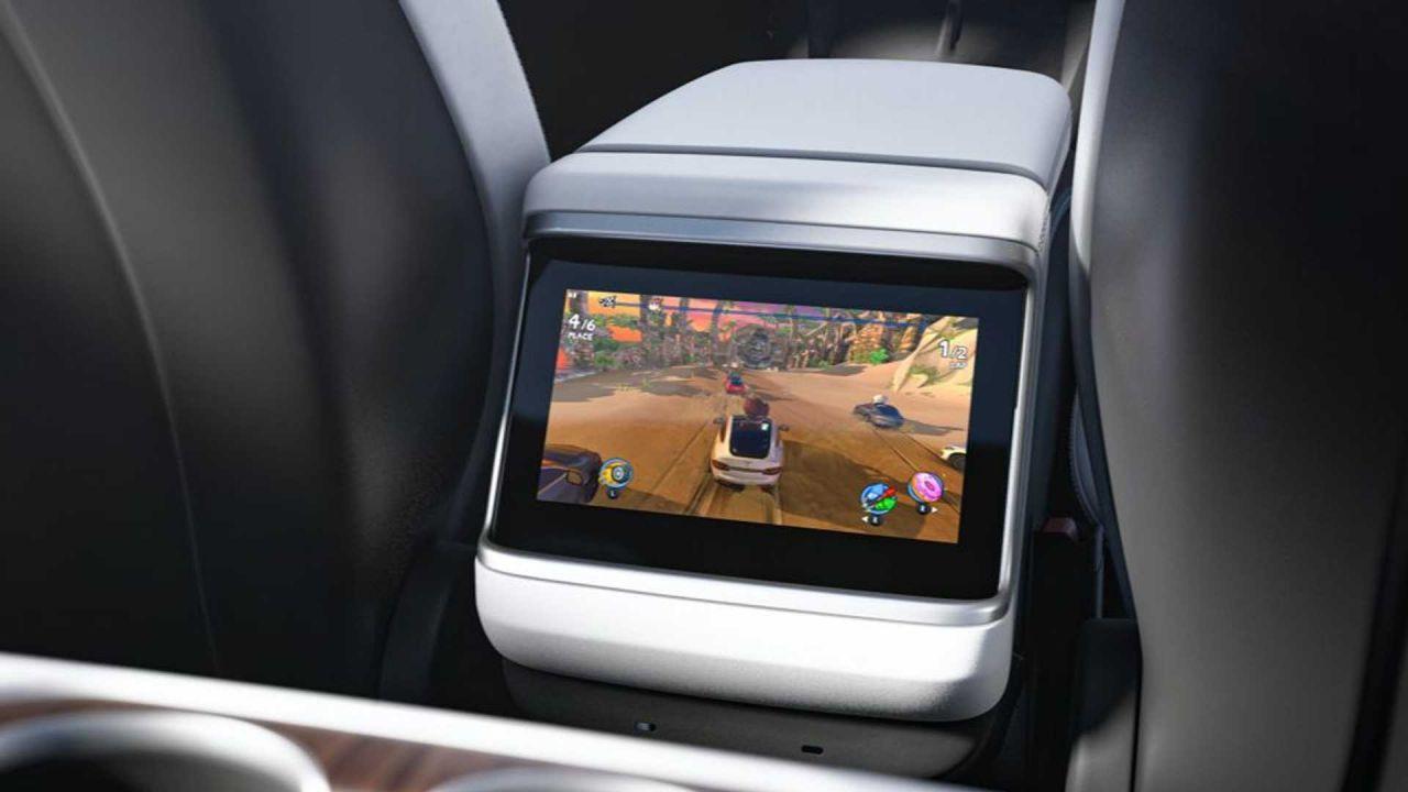 Tesla Model S oyun canavarına dönüştü! Elon Musk PS5'e rakip olacak! - Page 2