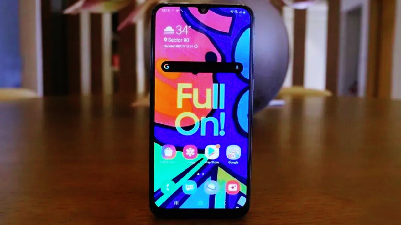 Samsung bataryası bitmeyen telefon Galaxy F62 ile karşımıza çıkacak