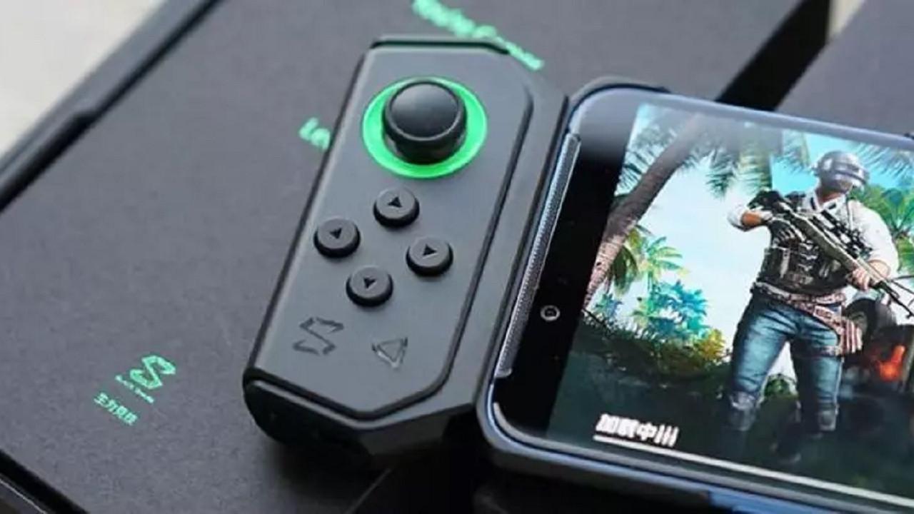 PS5'e kafa tutan telefon Black Shark 4!