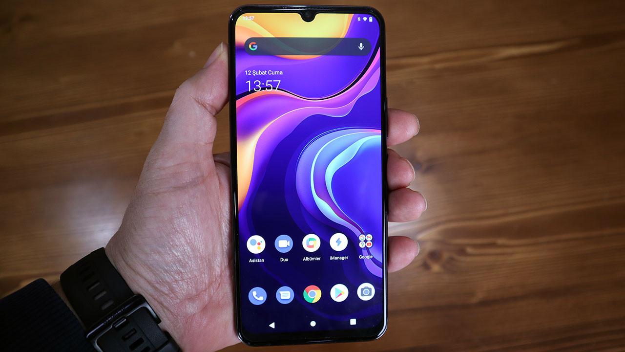 Bu fiyata böyle telefonlar artık yok! Vivo Y70 inceleme