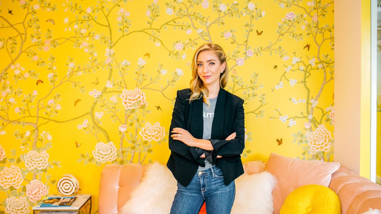 31 yaşındaki genç kadın Flört uygulaması sayesinde 1.5 milyar dolarlık servete ulaştı!