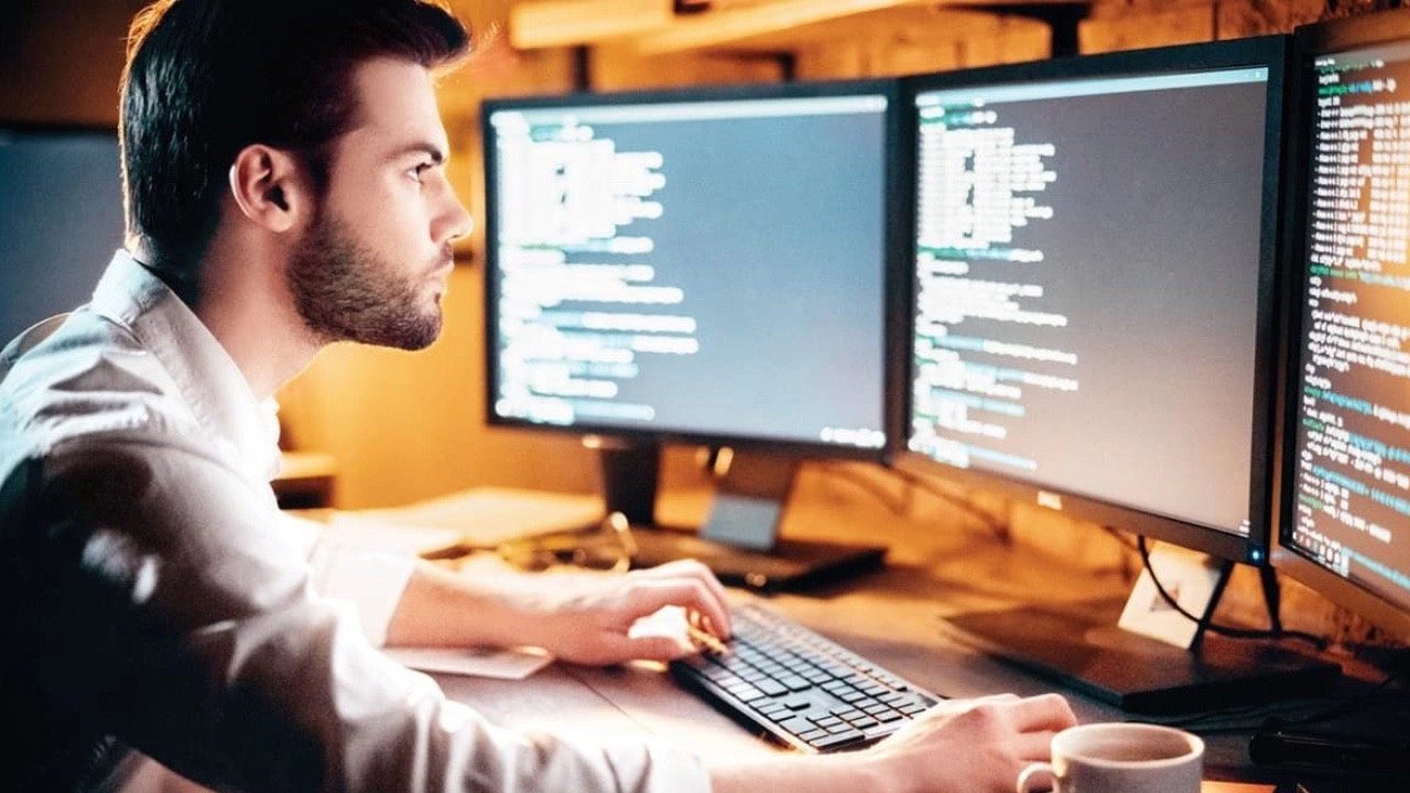 Yazılımcılar yandı! Geriye dönük vergi borcu çıkabilir!