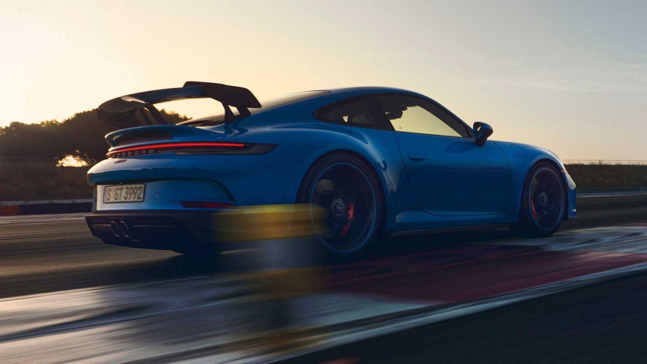 2021 model Porsche 911 GT3 RS tanıtıldı! İşte inanılmaz özellikleri! - Page 3