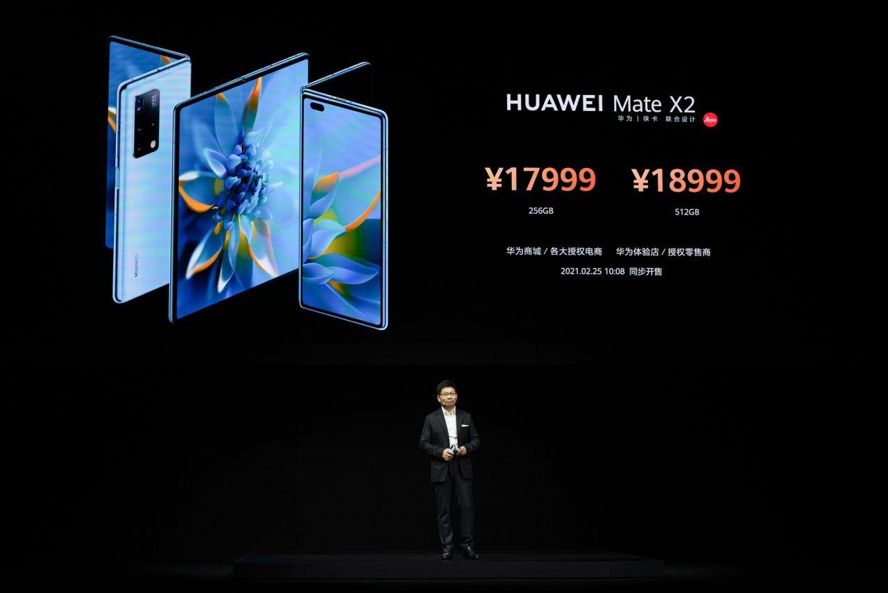 Dünyanın en pahalı telefonuna yakından bakın! - Page 2