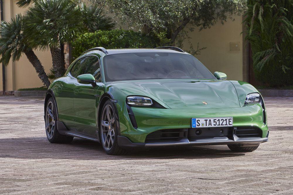 Elektrikli otomobilde devrim: Porsche Taycan Cross Turismo - Page 1