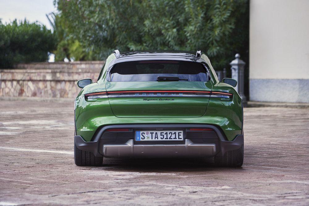 Elektrikli otomobilde devrim: Porsche Taycan Cross Turismo - Page 2