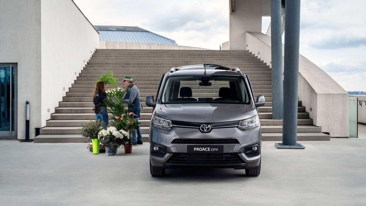 Toyota Proace City fiyat listesi belli oldu! Lansmana özel indirimli! - Page 1