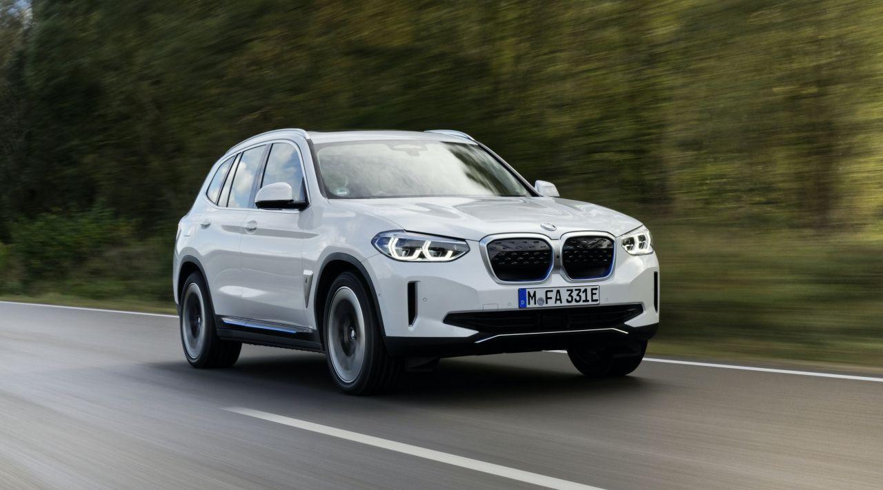 Tamamen elektrikli yeni BMW iX3 milyonluk fiyatı ile Türkiye'de - Page 1