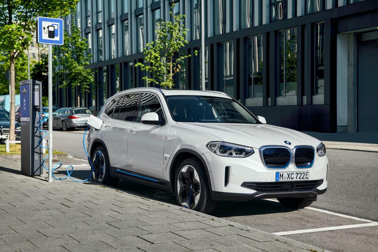 Tamamen elektrikli yeni BMW iX3 milyonluk fiyatı ile Türkiye'de - Page 4