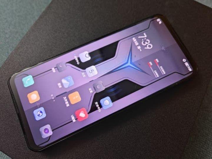 Bildiğiniz tüm telefon tasarımlarını unutun! Lenovo Legion 2 Pro geliyor! - Page 1