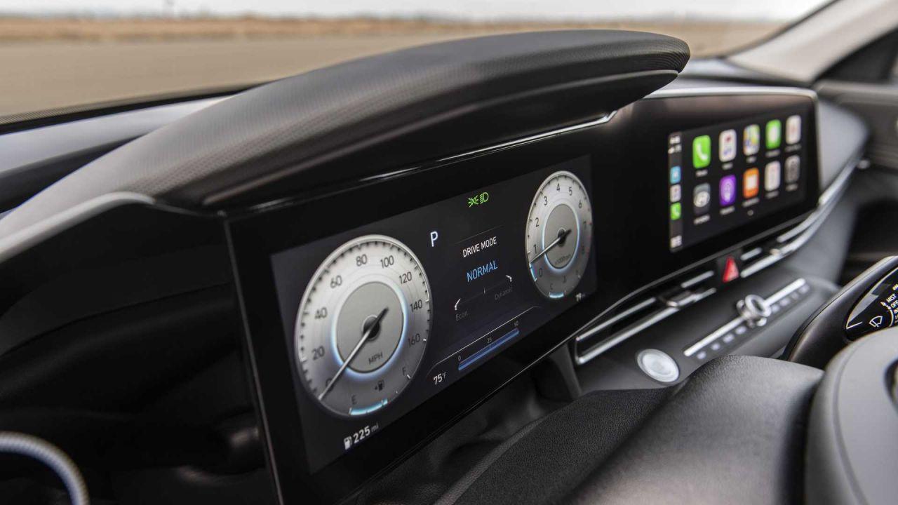 Hyundai Elantra Türkiye'de satışa çıktı! İşte fiyatı ve özellikleri! - Page 2