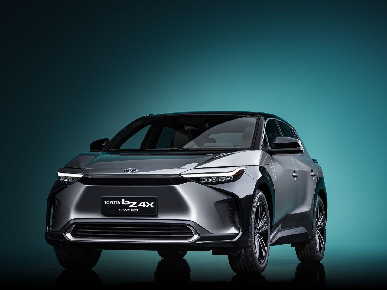 Toyota bZ4X ile yüzde 100 elektrikli otomobil pazarına giriyor - Page 1