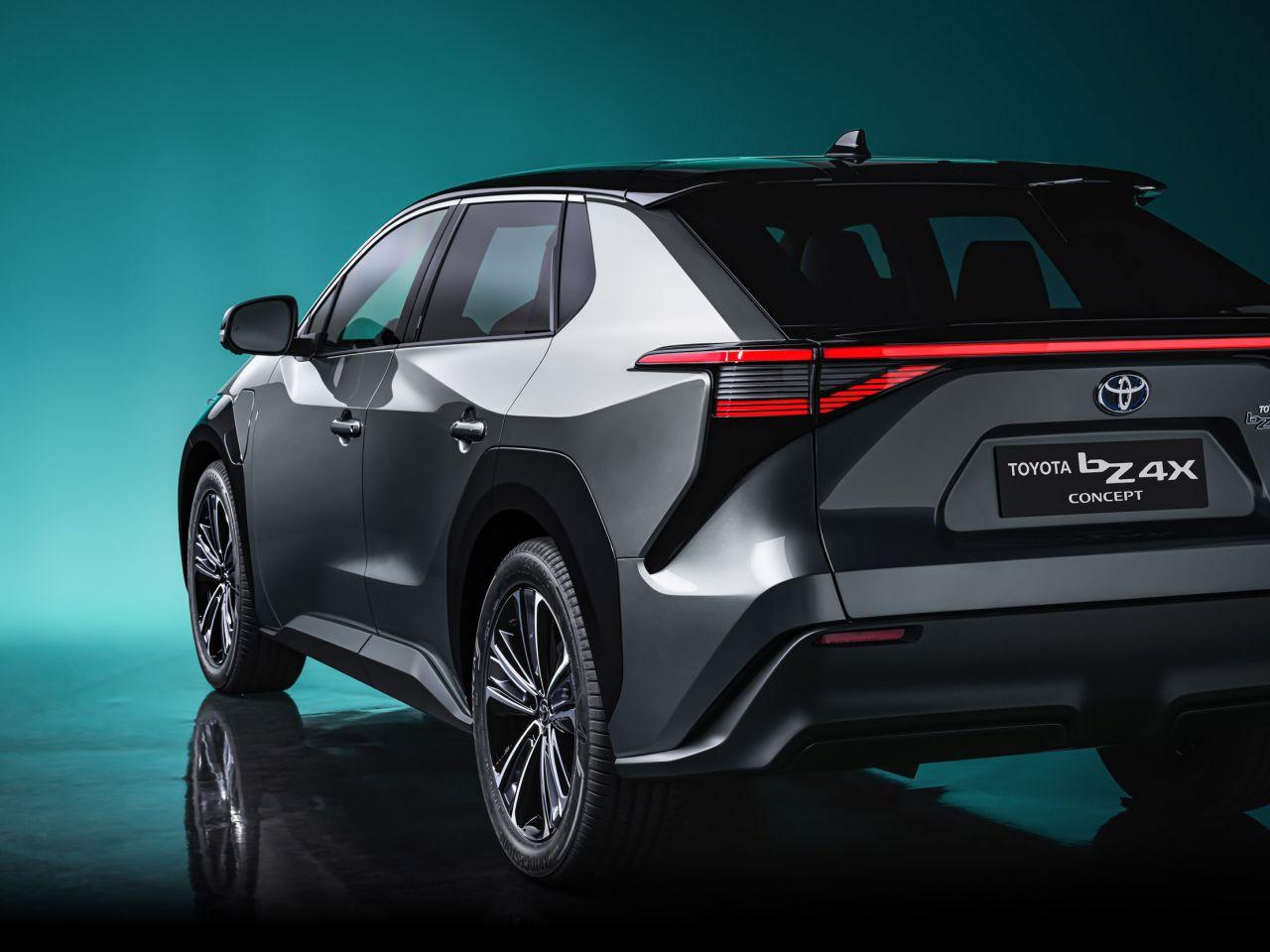 Toyota bZ4X ile yüzde 100 elektrikli otomobil pazarına giriyor - Page 3