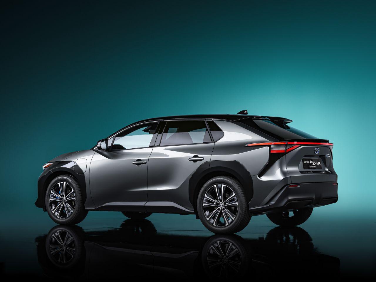 Toyota bZ4X ile yüzde 100 elektrikli otomobil pazarına giriyor - Page 4