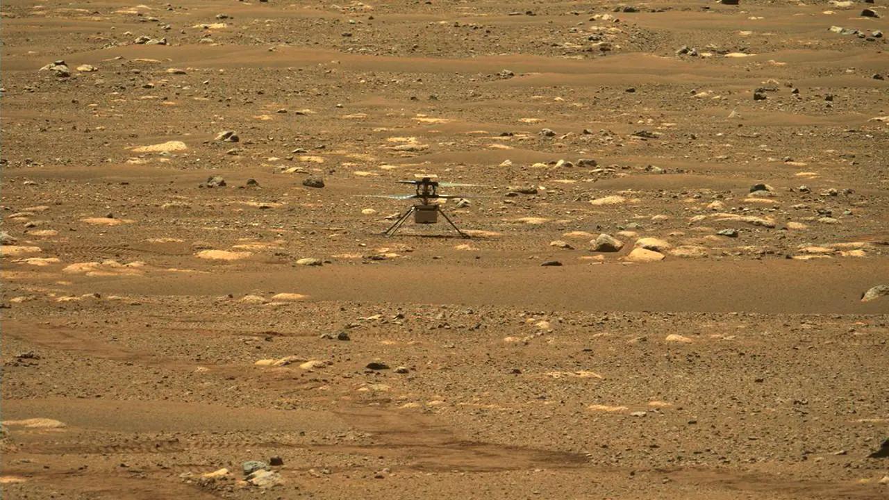 NASA Mars yüzeyinde drone uçurdu! (Video)