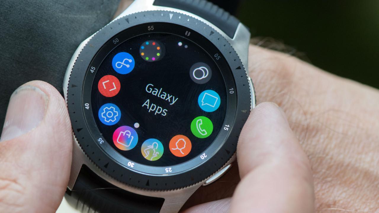Samsung, 5 yıllık akıllı saatine güncelleme verdi!