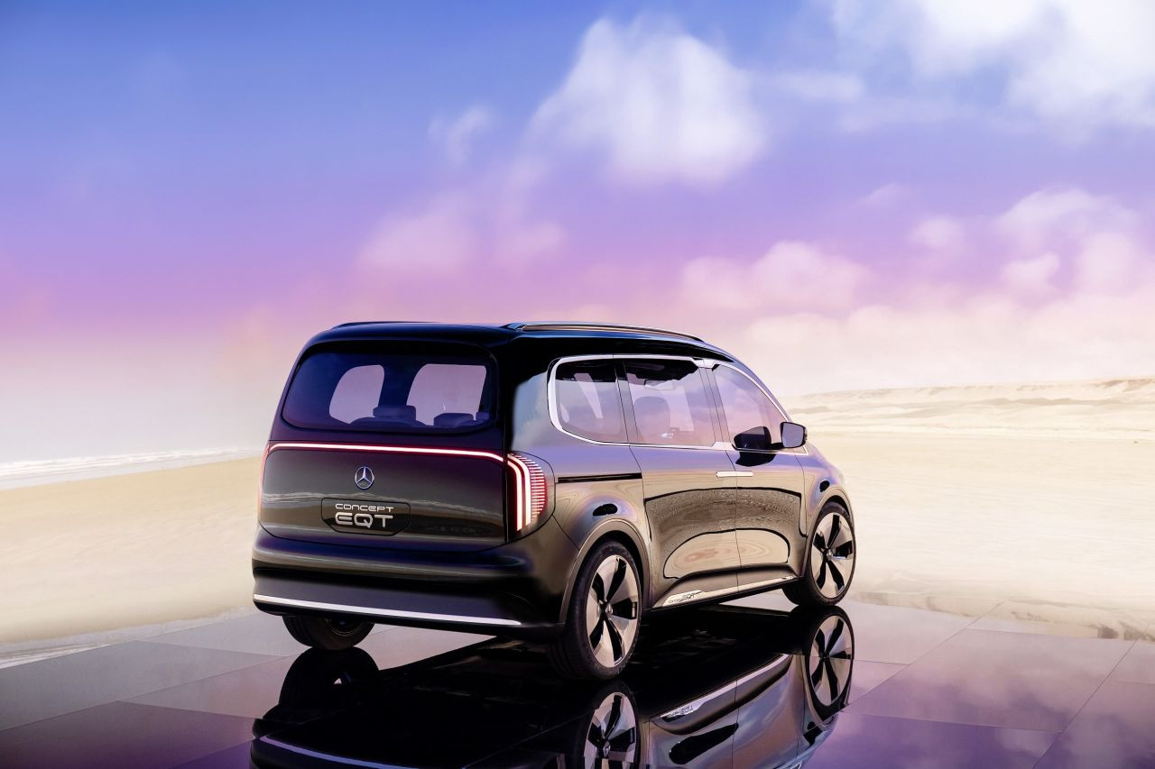 Enişteler bu arabaya çarpılacak: Mercedes Concept EQT - Page 3