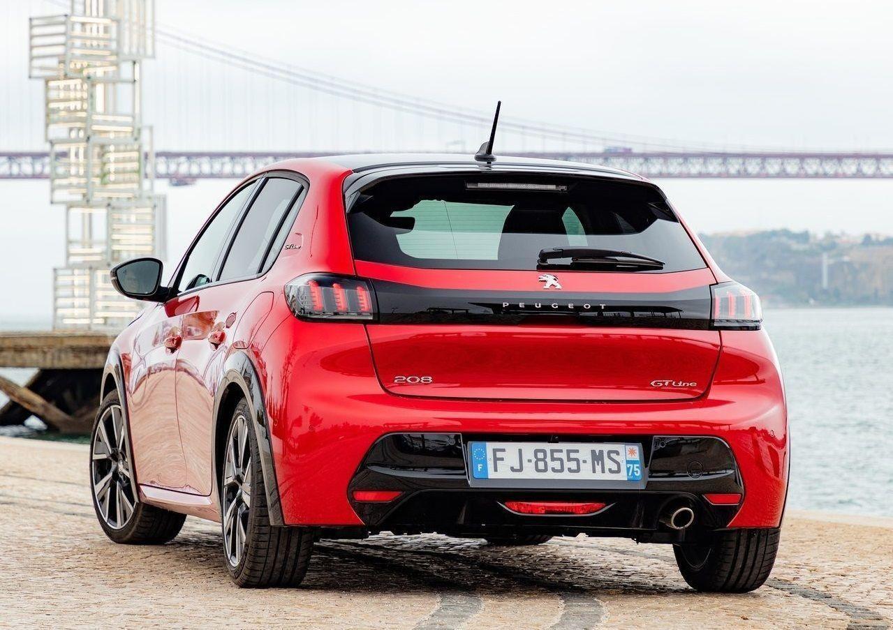 2021 Peugeot 208 fiyatları arttı! Yine de bu fiyata böyle araba yok! - Page 4