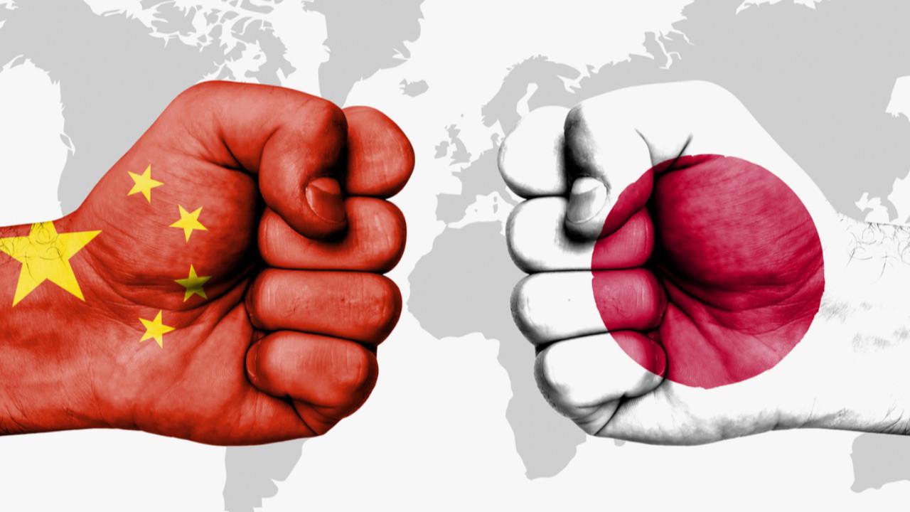 Japon dev telefon işine giriyor! Çin'e büyük çalım!