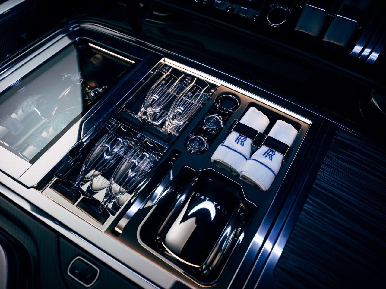 Karşınızda dünyanın en pahalı piknik arabası: Rolls-Royce Boat Tail! - Page 4