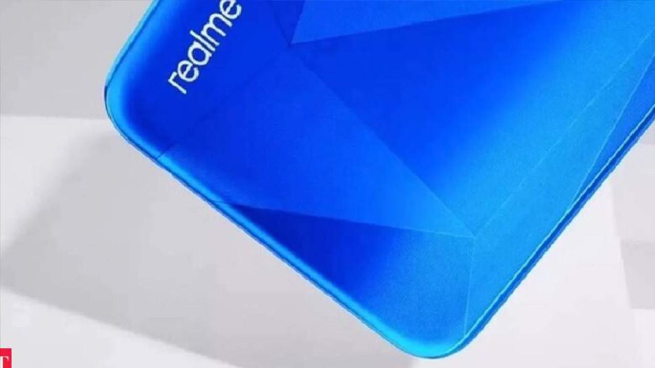 Realme 1200 TL'ye 5G'li telefon satacak!