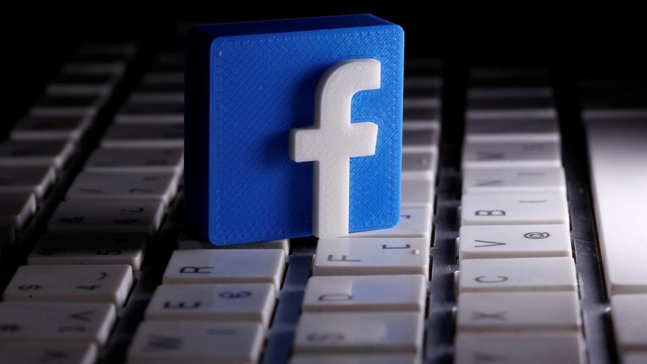 Facebook çift kameralı akıllı saati için düğmeye bastı!