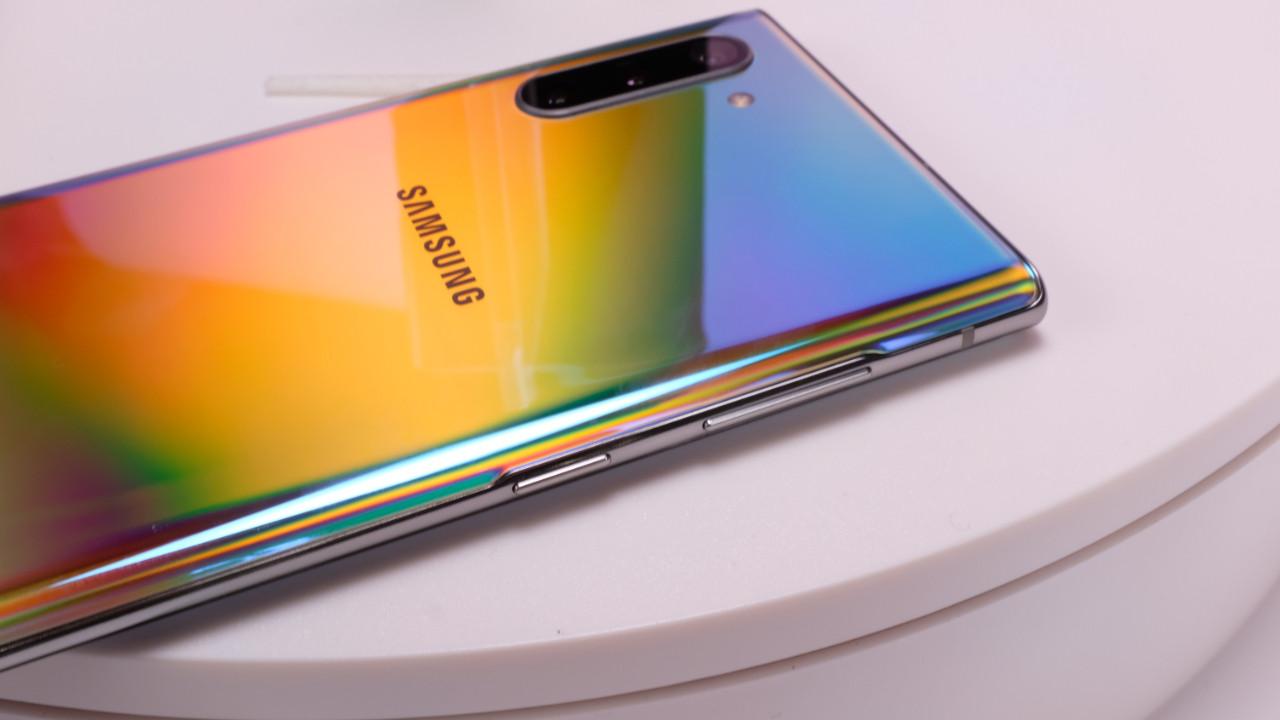 Bu Huawei telefonlar sizi sürekli şarj derdinden kurtarıyor!