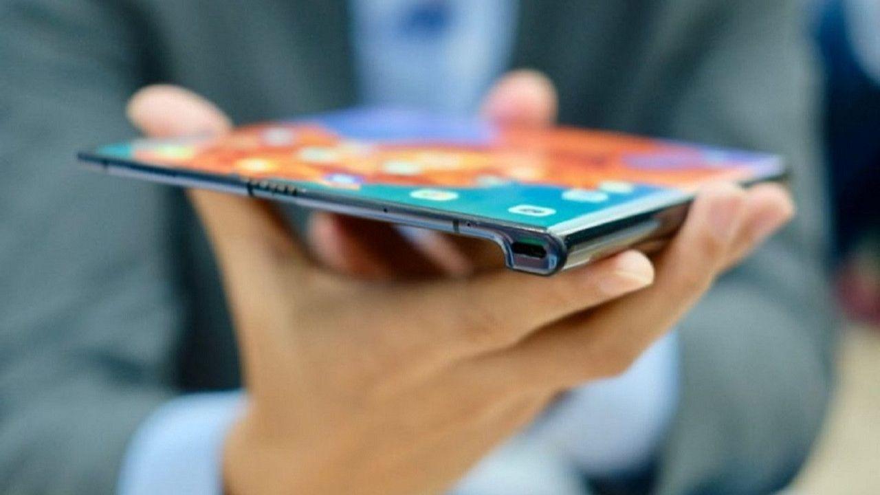 Bu akıllı telefonlar ekran boyutları ile göz dolduruyor! - Page 1