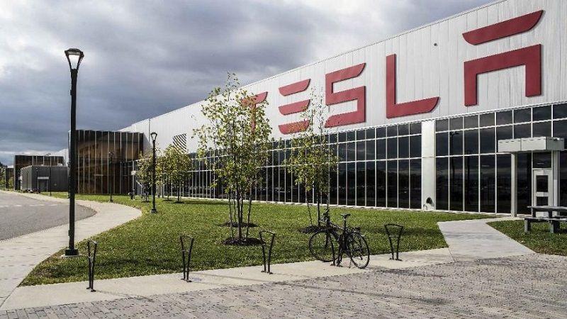 Tesla rekor kırmaya devam ediyor! - Page 1