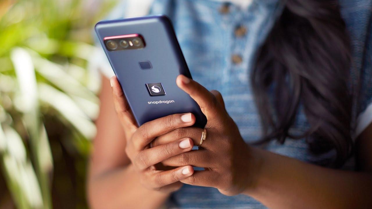 Qualcomm üst düzey özelliklere sahip ilk telefonunu duyurdu!