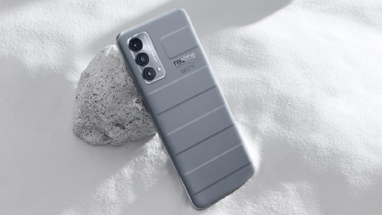 Realme GT Master Edition telefonlar duyuruldu! Çok şık, çok güçlü ve çok ucuz!
