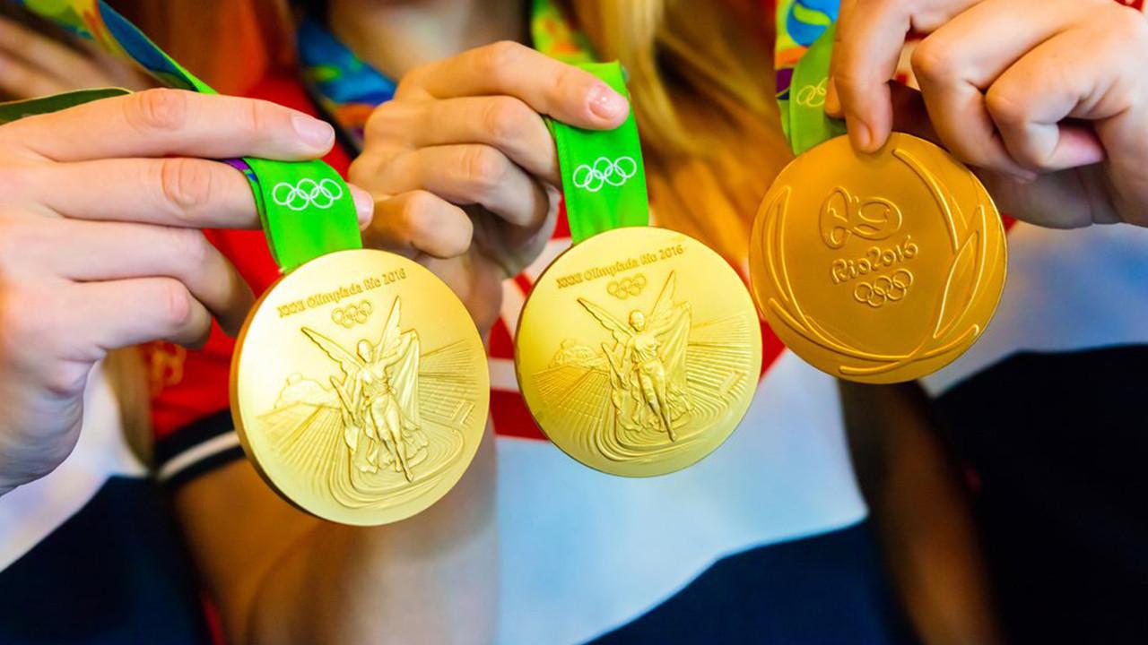 Olimpiyat madalyasını yardım için satışa çıkardı!