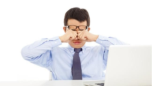 Uzun süre bilgisayara bakanlar için en etkili göz sağlığı önerileri - Page 1