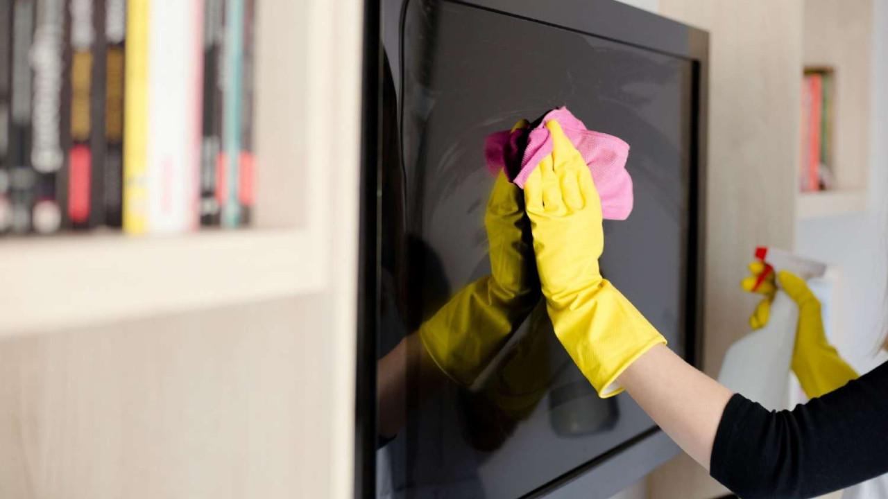 TV temizlerken dikkat etmeniz gereken 8 altın kural!