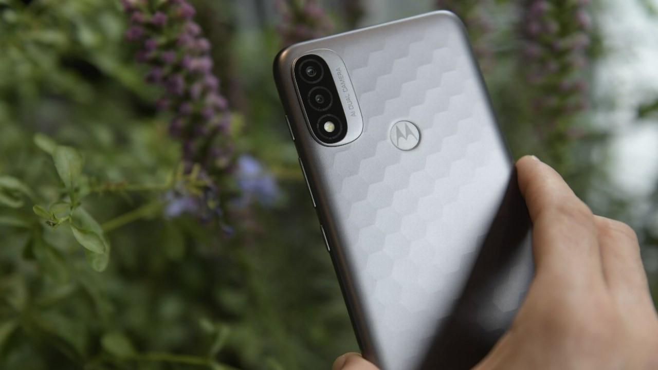 Bu fiyata benzeri yok! Karşınızda Motorola Moto E40