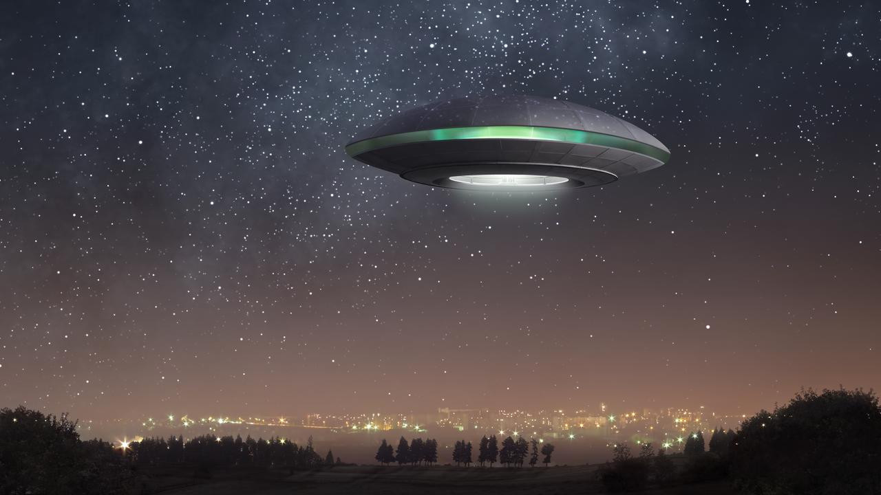 Gerçek UFO görüntüleri görenleri şok etti! İşte o video